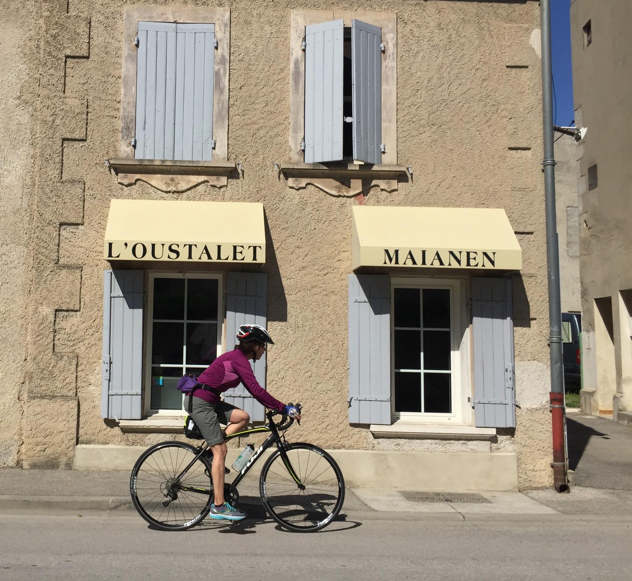 Cyn Hannah - bike provence